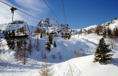 Isola 2000 - chair lift