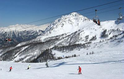 Serre Chevalier - chair lift and ski runs
