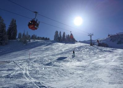 Gstaad - chair lift